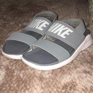 Nike Woman's Tanjun sandals
